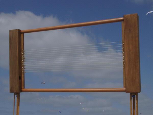 http://ventcourtois.com/harpe_eolienne/harpe_cadre/images/harpecadre.jpg